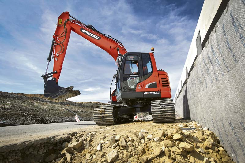 Doosan-KettenbaggerDX140LCR-5. (Foto: Doosan Construction Equipment)